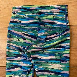 Lululemon high rise leggings size 6